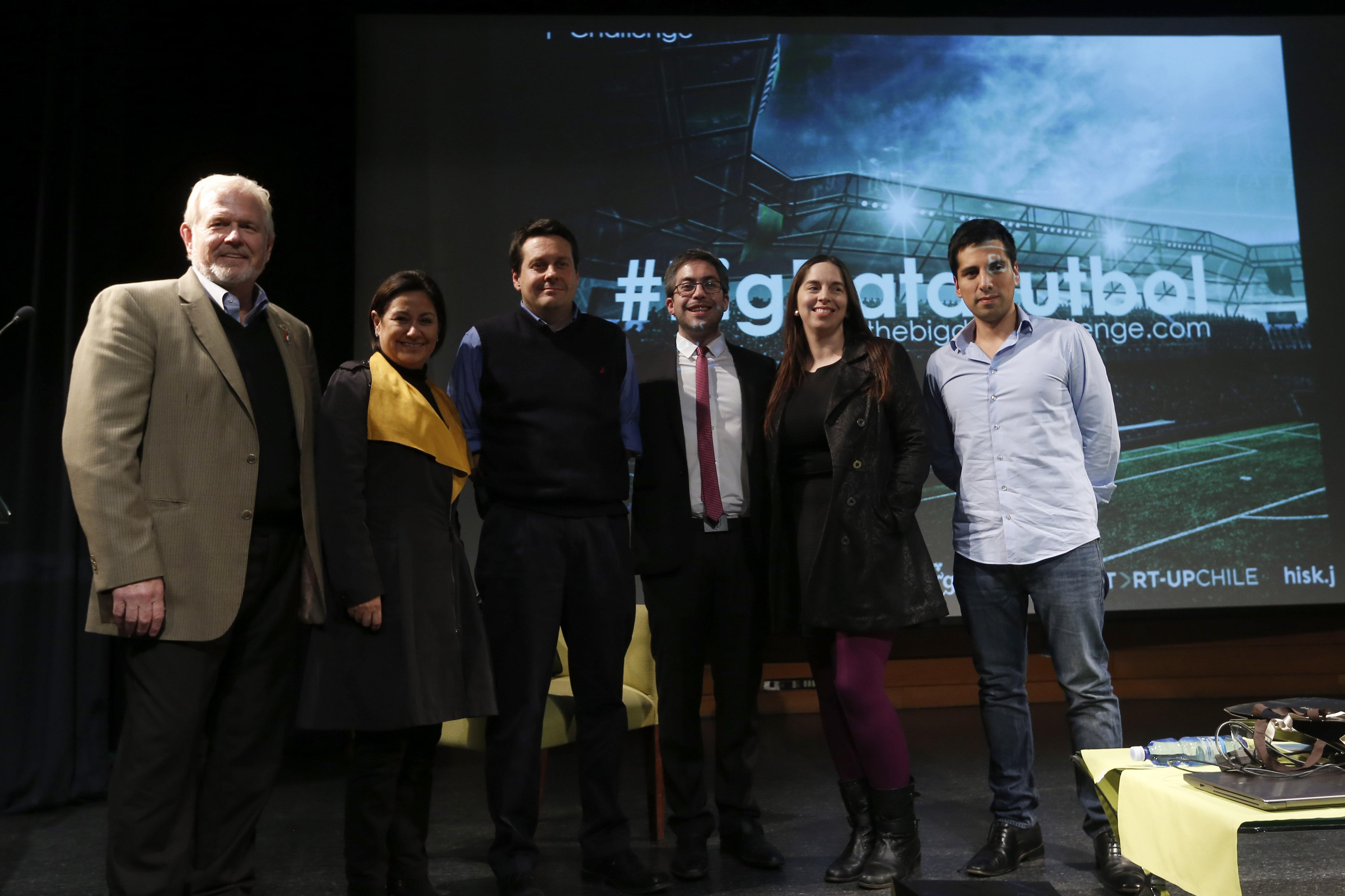 Phillip Berry, Angélica Alarcón, Alejandro Valdivia, Jorge Gómez, Loreto Bravo y Nicolás Benavides